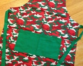 Chlidrens apron  YOUTH size  christmas camo red green white