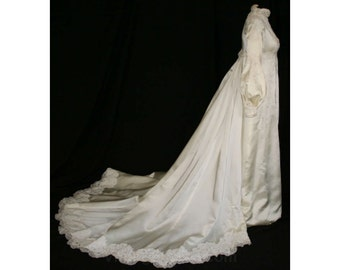 Size 8 Wedding Dress - Gorgeous Pearls & Lace-on-Satin Bridal Gown with Formal Detachable Train - 1960s Empire Wedding - Bust 34.5 - 32782-1