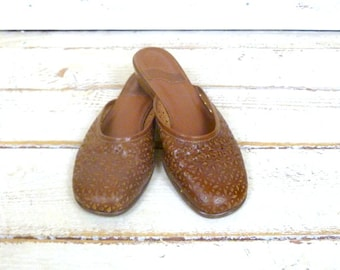 Vintage woven lazer cut brown leather wood wedge sandals/slip on shoes/leather mules