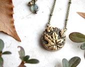 Gold Leaves Necklace, Leaf Pendant, Nature Jewelry, Maple Leaf Necklace, Nature Inspired Jewellery, Oak Leaf Charm Necklace, Golden Leaf