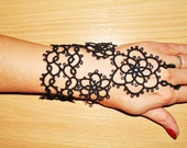 Black slave bracelet in tatting