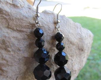Beautiful Black vintage Beads  Dangle Earrings E 52