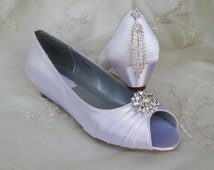 Wedding Shoes Wedge Shoes Bridal Bridal Shoes Wedges with Crystal Brooch Dyeable Shoes Pick Your color