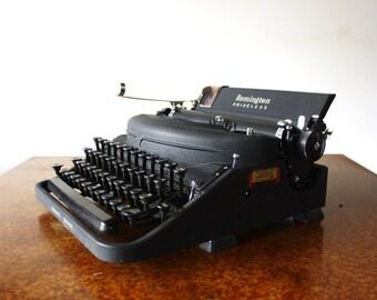Remington Rand Noiseless Vintage Typewriter Model 7