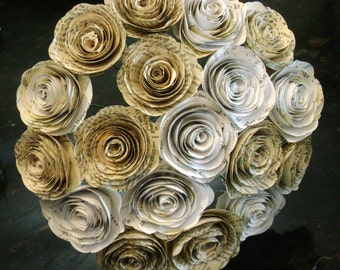 18 spiral book page roses paper flowers ombre bouquet  wedding  reception decoration bride bridesmaid toss alternative centerpiece library