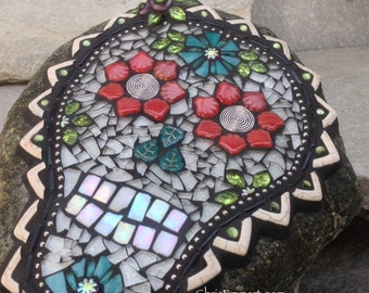 Dia de los Muertos / Day of the Dead / Skull Mosaic  / Garden Stone