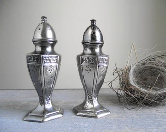 Art Decor Silver Shakers / AVON 1927 A43 Silver Salt and Pepper Shakers / Silver Plate Shaker Set / Shabby Cottage Chic / Farmhouse Decor