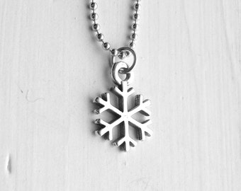 Snowflake Necklace, Sterling Silver Jewelry, Snowflake Pendant, Sterling Silver Snowflake Necklace, Snowflake Charm, Snowflakes, Snow