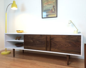Kasse TV Stand With Speckled Finish - Walnut Doors