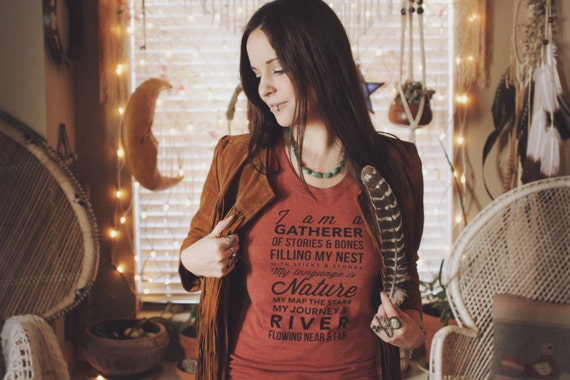 The Gatherer Tee.  PRE ORDER - Womens Tri-Clay