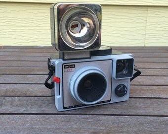 """FLASH SALE! 25% off when you enter """"25FLASH"""" - Vintage Argus 127 Camera with Flash Attachment"""
