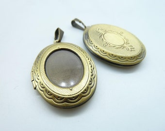 10pcs 23x33mm-13x18mm Antique Bronze Oval Brass Flower Locket With Brass Hooker Charm Pendant c2152