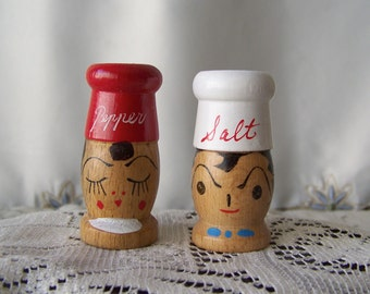 Vintage Salt and Pepper Shakers BBQ Grilling 1950s Backyard Picnic Retro Kitchen Unused