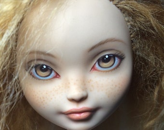 Monster high Ever After High Doll Repaint Comission