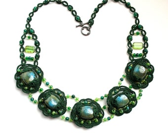 Emerald Green Tatting Lace Beaded Fiber Bauble Necklace
