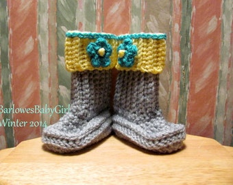 Buggs - Crochet Baby Booties in Light Grey  w/ Detachable Band in Yellow w/Teal Accent Flower