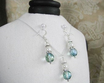 Bridal Wedding Jewelry Great Bridesmaids gifts  Rhinestones And Crystals with White Swarovski Pearls on Silver Plated Chain Necklace
