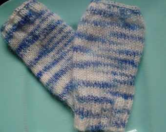 HANDKNITTED MITTENS, fingerless GLOVES,blue and white, wristwarmers