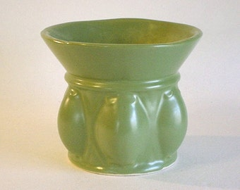 Small Vintage HULL USA Ceramic Vase or Planter- Pretty Green