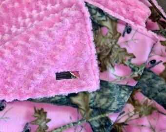 Pink Mossy Oak Camo Fleece Blanket Backed with Pink Swirl Fur
