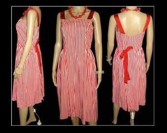Vintage 1950s Dress  .  50s Red Dress  .  Red Stripped  . Summer Delight