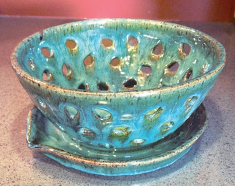 Berry bowl or small colander with attached dish and drain spout