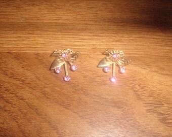 2 vintage pin brooch lapel goldtone pink rhinestones