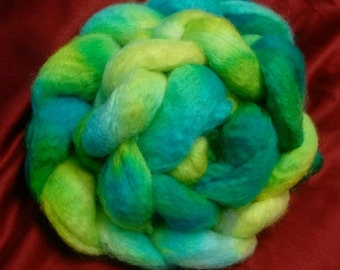 4 oz. Bluefaced Leicester (BFL) wool roving; I'm Seeing Green!