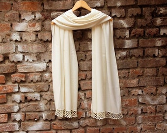 Wedding shawl Bridesmaids gifts, Pashmina shawl, ivory bridal gift ,with handmade lace,