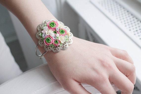 Bracelet with Flowers -- Floral Bracelet