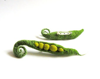 felted brooch Green peas