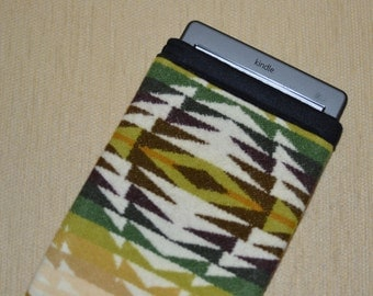 Kindle Sleeve - simple Kindle Sleeve - brown, green, ivory Native American print Wool - TAILORED to YOUR DEVICE - Pecos