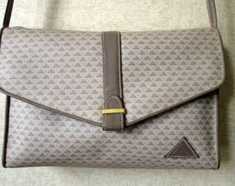 Crossbody Bag clutch purse or shoulder bag with long strap faux leather purse medium size preppy hipster designer handbag Liz Claiborne logo