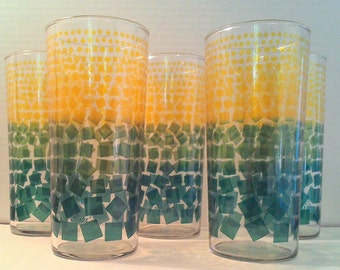 Vintage  Pokee Bartlett Collins Glasswear Green to Yellow Ombre