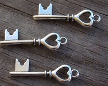 10 Silver Skeleton Key Charms with Heart Detail 28mm  Antiqued Silver
