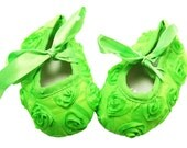 Adorable Baby Girl Green with Lime Rosette Fabric Tiny Toes Crib Shoes