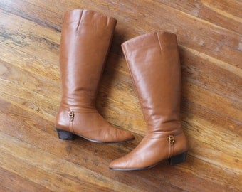 Size 9 M Vintage BOOTS / Brown Leather Knee High Women's Riding Boots / Vintage Shoes