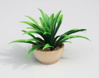 1:6 scale Plant with wood bowl pot for OOAK Dollhouse or Diorama (Blythe, Barbie, 12'' Fashion dolls, Bratz, Momoko)
