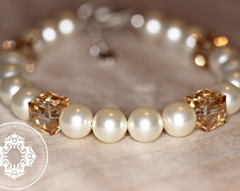 Swarovski Pearl Bracelets, Bridesmaid Bracelets, Womens accessories, Bridal Accessories, Pearl Bracelet