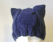 Cable Knit Chunky Beanie in Navy Blue