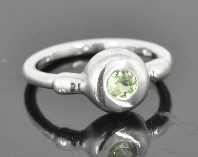 Peridot ring, August birthstone, gemstone ring, sterling silver ring, cocktail ring, birthstone ring, one of a kind