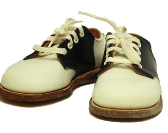 Vintage leather saddle shoes
