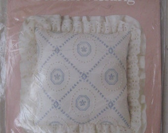 candlewicking pillow kit paragon candlewick plus new in package 1983