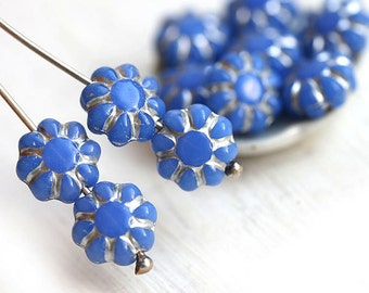 Flower beads - Cornflower Blue, silver inlays - czech glass flat daisy - 9mm - 20Pc - 1043