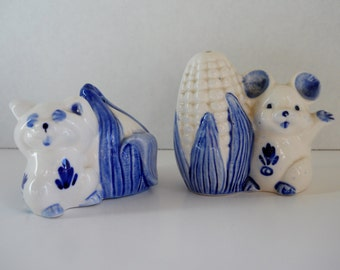 Salt and Pepper Shakers Vintage Blue Delfts Mice with Corn and Onion Blue and White Kitchen