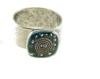 Orgone Energy Ring with Lapis Lazuli - Small Cocktail Ring - Adjustable Ring - Orgone Energy Jewelry - Artisan Jewelry