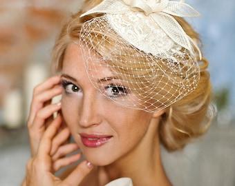 Bridal veil fascinator, wedding mini hat, ivory headpiece with veiling - Celina