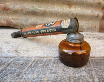 Vintage BLACK FLAG Pesticide Spray Gun with Brown Glass Resevoir Jar Great Graphics Black & Orange Metal Sprayer 1950s Era Sprayer Tool VTG