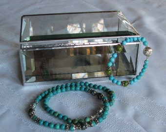 Clear beveled glass box 4 x 6 x 2  to display your loved keepsakes