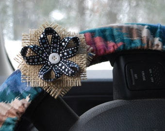 Steering Wheel Cover Multicolored zigzag pattern